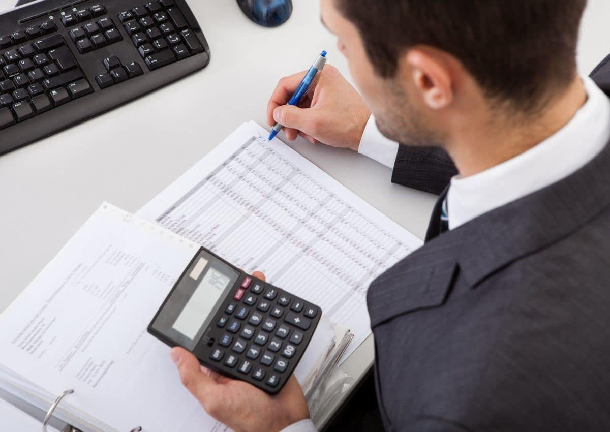 how to hire a forensic accountant